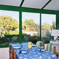 Hotel Pictures: Holiday Home Rue de la Batterie, Le Verdon-sur-Mer