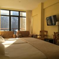 Triple Room with Mountain View (3 Adults)