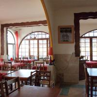 Hotel Pictures: Hôtel Restaurant l'Agachon, Albaron