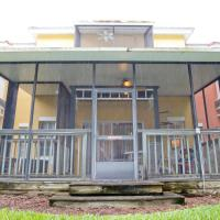 Three-Bedroom Townhouse at Emerald Island Resort