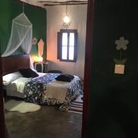 Hotel Pictures: La Bodega, Chulilla