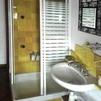 One-Bedroom Apartment-Yellow (2-4 Adults)