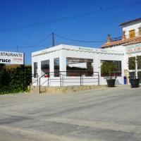 Hotel Pictures: Hostal Restaurante El Cruce, Ardales