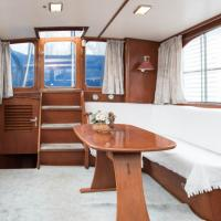 Authentic South Houseboat