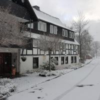 Hotel Pictures: All-Inclusive Hotel Zur Schmitte, Schmallenberg