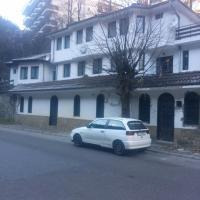 Hotel Pictures: Guest House Yasen, Shiroka Lŭka