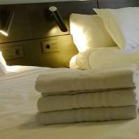 Hotel Pictures: Apartamentos Iribarren, Tudela