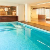 Hotel Pictures: Villa Ruth, Vilanova i la Geltrú
