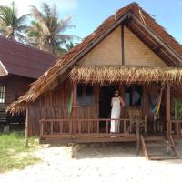 2 Bedrooms with air conditioning Beachfront