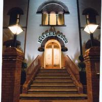 Hotel 2000