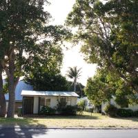 Hotel Pictures: Riverside Cottages, Augusta