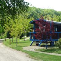Hotel Pictures: Le Village des Monédières, Chamberet