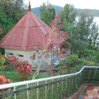 Megapode Resort