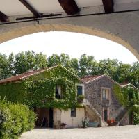 Hotel Pictures: Domaine Du Cayrat, Cazouls-d Herault