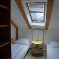 Apartment Attic (4 Adults)