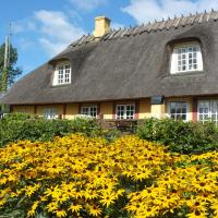 Hotel Pictures: Langeland Holiday House, Hou