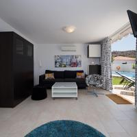 Hotel Pictures: Holiday Homes Suiza Tauro, La Playa de Tauro