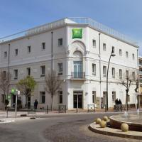 Hotel Pictures: Ibis Styles Hyeres Centre Gare, Hyères