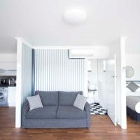 Hotel Pictures: Siesta Central Apartments, Sale
