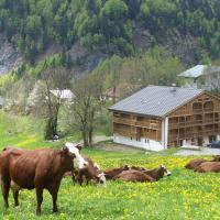 Hotel Pictures: Les Fermes D'alpages, La Giettaz