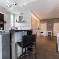 Deluxe Two Bedroom Apartment with Balcony