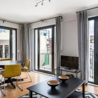 Top Floor Two-Bedroom Apartment with Castle View