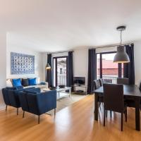 Superior Three-Bedroom Apartment with Castle View