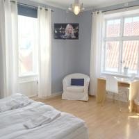 Economy Twin Room or Double Room with Shared Bathroom - Annex