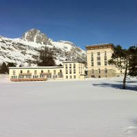 Hotel Pictures: Maloja Club House, Maloja