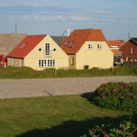 Hotel Pictures: Holiday home Kirkevej 2 A, Thorsminde