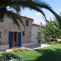 Hotel Pictures: Holiday home Mas Fullat, Alforja