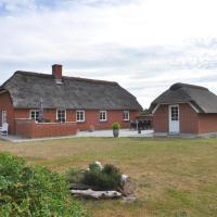 Hotel Pictures: Holiday home Sortebærvej 4, Vedersø Klit