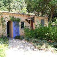 Hotel Pictures: Holiday home Villa Figuier, La Capelle-et-Masmolène
