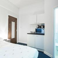 Classic Double or Twin Room with Private Bathroom