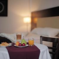 Hotel Pictures: Manantiales Hotel Casino Virasoro, Gobernador Virasora