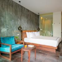 Bay Room