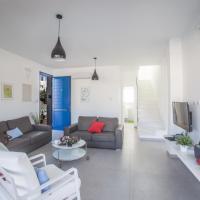 Five-Bedroom House '1'