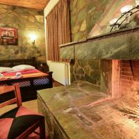 Deluxe Studio with Fireplace