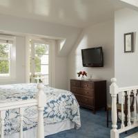 White Rabbit Balcony Room
