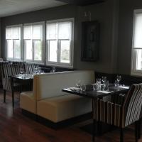 Hotel Pictures: Le Bistroquet, Lusignan