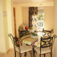 Hotel Pictures: Apartamentos Gardenias 3000, Alcossebre