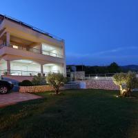 Hotellikuvia: Apartments Villa Residenca, Novi Vinodolski