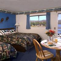 Queen Room with Two Queen Beds and Lake View