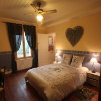 Hotel Pictures: La Maison du Bonheur, Anlhiac
