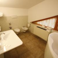 Two-Bedroom Suite (5 Adults)