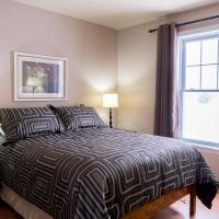 Hotel Pictures: Chalets Lac Brome Lake Cottages, Lac-Brome