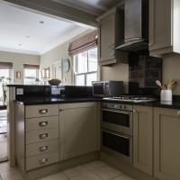 Three-Bedroom Apartment - Tynemouth Street