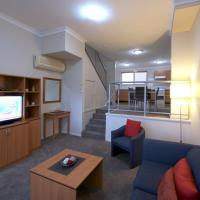 Deluxe Two-Bedroom Spa Townhouse - Peninsula Nelson Bay 4 Stars