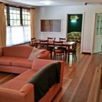 Budget Three-Bedroom Apartment - Peninsular Palms 2 Stars