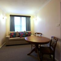 Budget Family Room - 6 Guests - Peninsular Palms 2 Stars